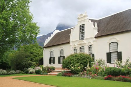 south-africa-cave-vineyard