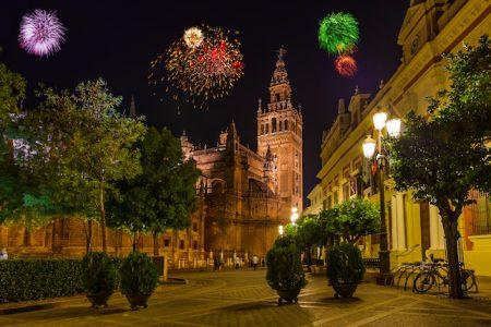 spain-sevilla-cathedral-firework
